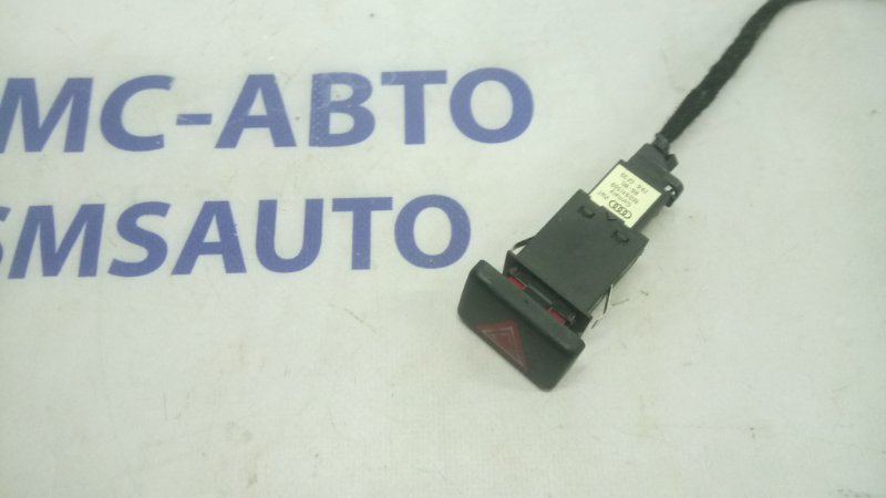 Кнопка аварийной сигнализации Audi A4 B7 1.8T BFB 2005