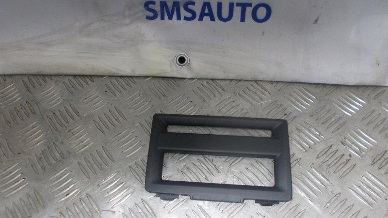 Рамка магнитолы Volvo C30 2.4 B5244S 2007