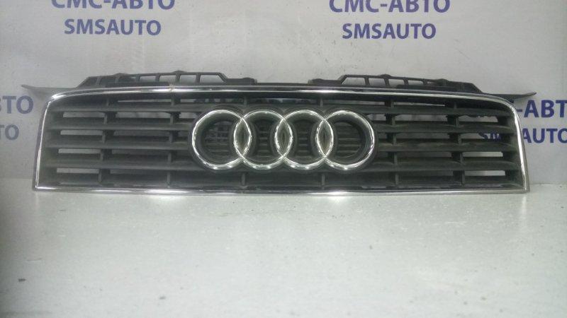 Решетка радиатора Audi A3 8P 2005 верхняя