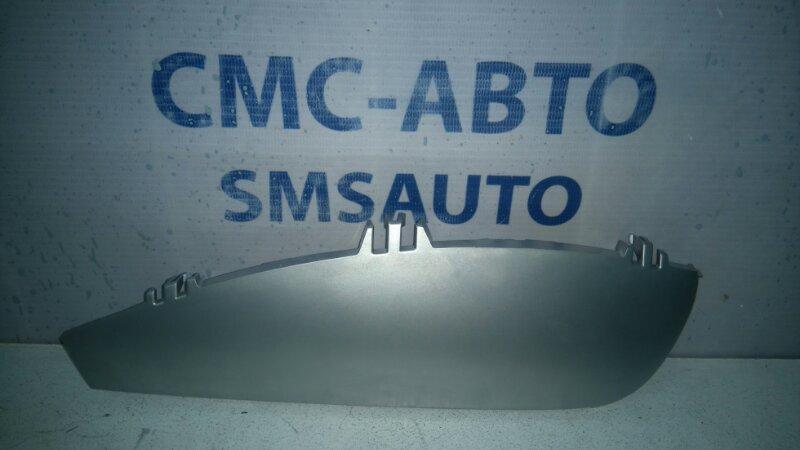 Накладка центральной консоли Mercedes R-Klasse W251 3.5 левая
