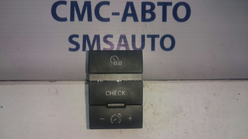Блок кнопок передней панели Audi A6 C6 3.2 AUK 2005