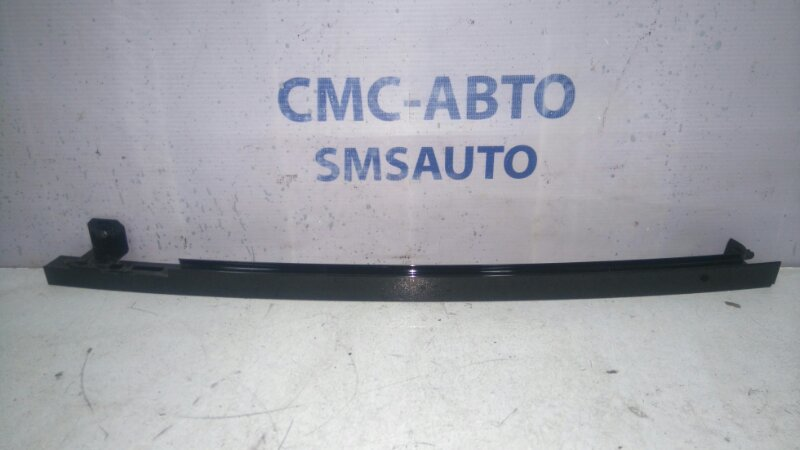 Направляющая стекла двери Mercedes R-Klasse W251 3.5 задняя левая