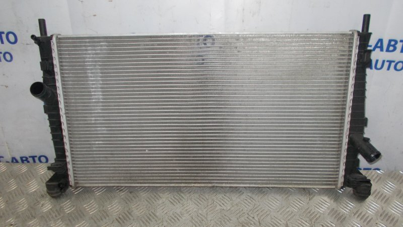 Радиатор охлаждения двс Volvo S40 2.0 2008