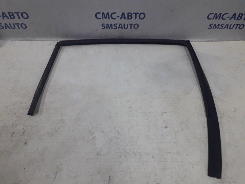 Направляющая стекла двери Volvo S60 С60 2.5T 2005 задняя левая