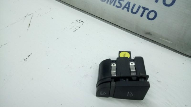 Кнопка открывания бардачка Audi A6 4F