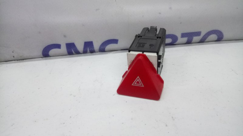 Кнопка аварийной сигнализации WV Touran -09
