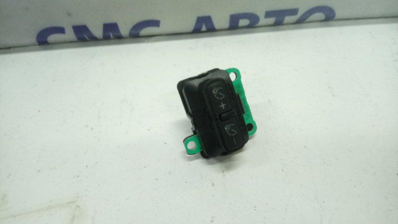 Кнопка регулировки панели A8 D3