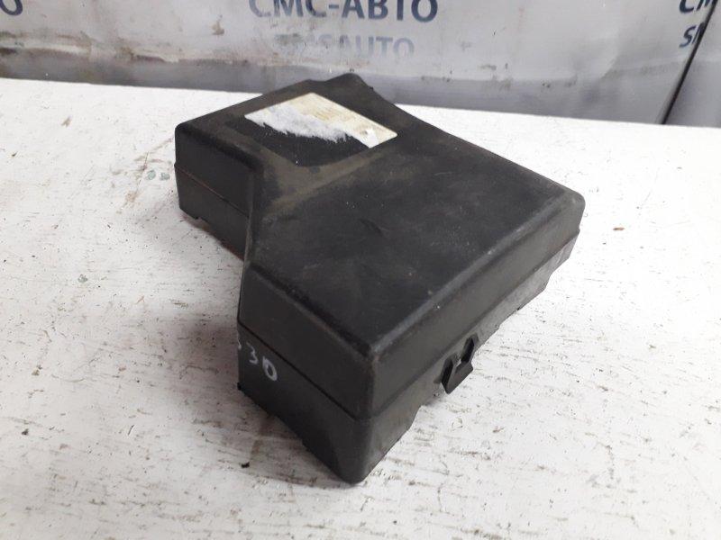 Крышка блока предохранителей Volvo S40 1997