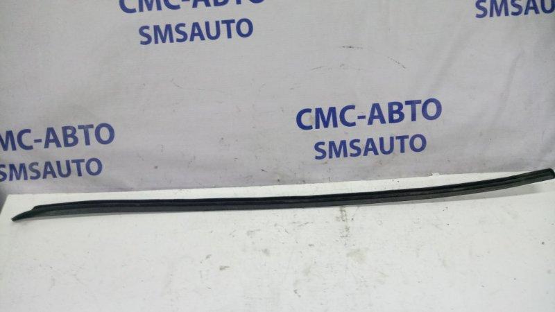 Молдинг лобового стекла Volkswagen Passat B6 2.0 2006 левый