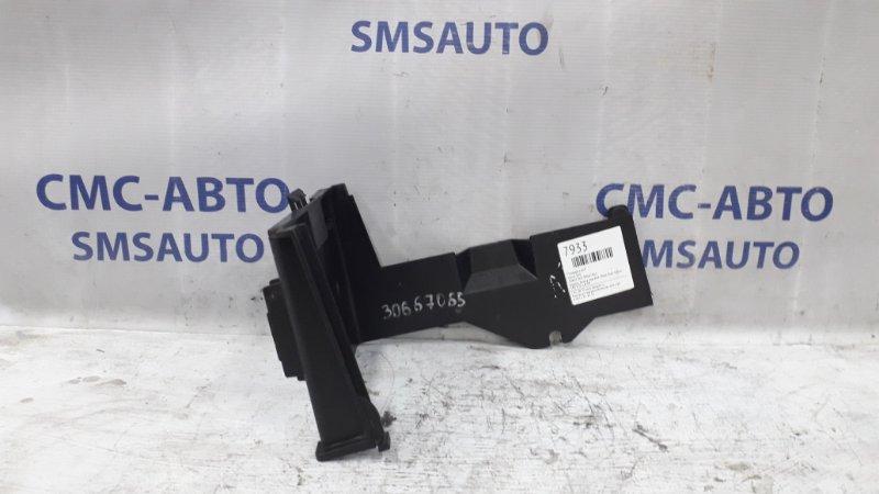 Корпус блока под АКБ 30667065 Volvo S40 V50 1.8 04-