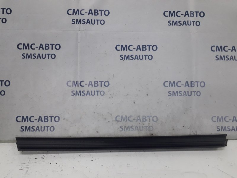 Направляющая стекла двери Mercedes E-Klasse W212 2.2TD 2010 задняя левая