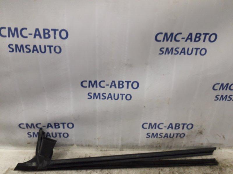 Направляющая стекла двери Mercedes Cls-Klasse W219 5.0 передняя правая