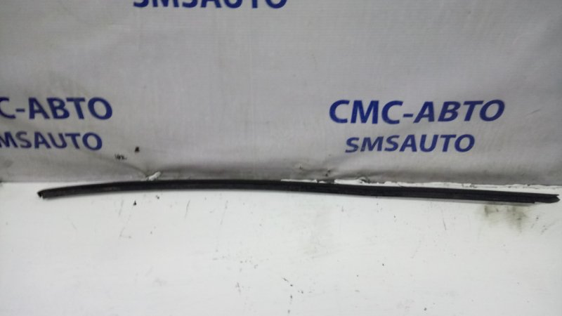 Молдинг лобового стекла Volkswagen Tiguan 2.0T передний правый