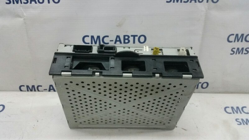 Блок управления сигнала магнитолы Audi Allroad 4F 3.2FSI AUK 2004