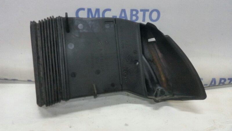 Воздухозаборник Audi A8 S8 5.2