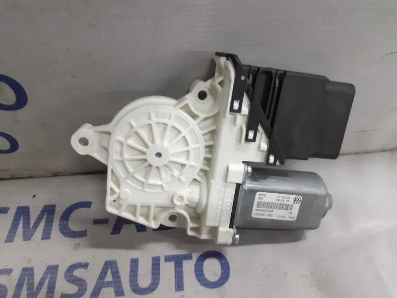 Моторчик стеклоподъемника Volkswagen Tiguan 2.0TD