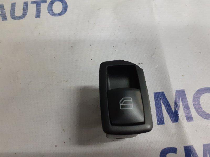 Кнопка стеклоподъемника Mercedes R-Klasse W251 3.5 задняя