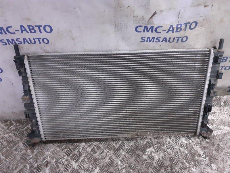 Радиатор охлаждения двс Volvo C30 С30 2.0 2010