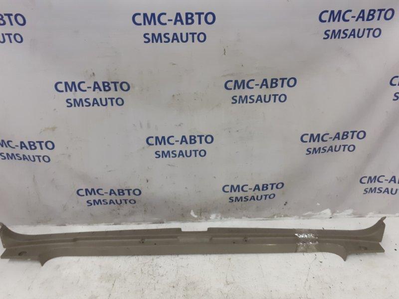 Накладка замка багажника Volvo Xc70 2005 задняя