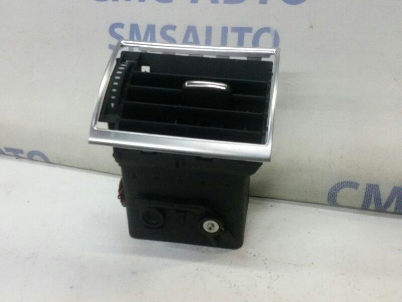 Дефлектор торпеды Audi A8 S8 5.2 правый