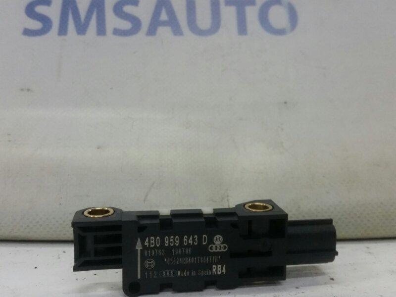 Датчик удара Audi A8 S8 5.2