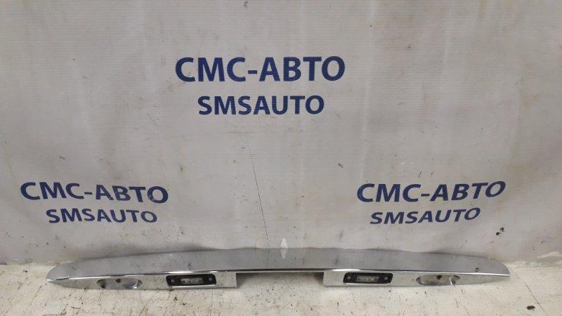 Накладка замка багажника Mercedes R-Klasse W251