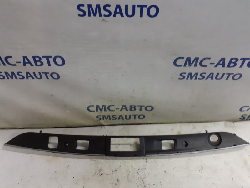 Накладка замка багажника Mercedes C-Klasse W204
