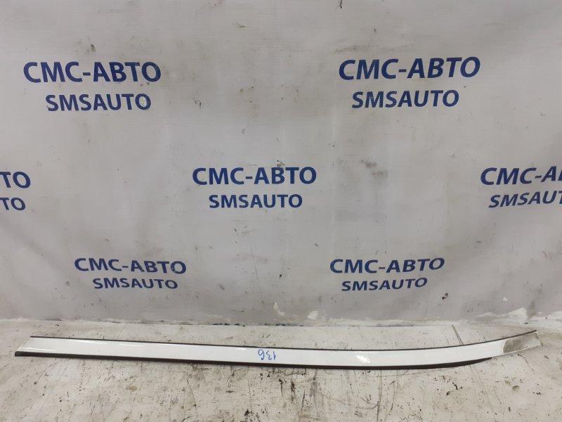 Молдинг лобового стекла Volvo Xc70 ХС70 2.5T 2005 правый
