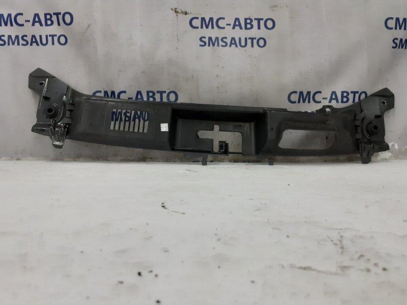 Накладка замка капота Volvo C30 С30 2.4 2008 передняя