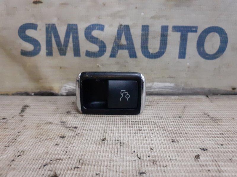 Кнопка багажника Mercedes E-Klasse W212