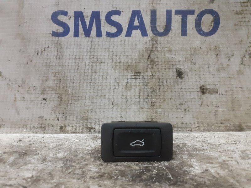 Кнопка багажника Audi Q5 задняя