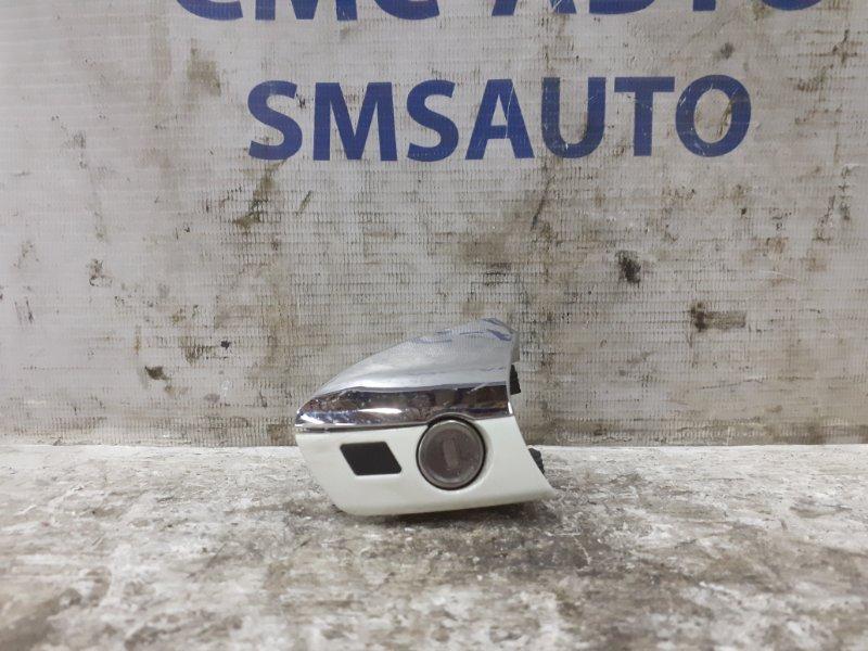 Заглушка двери Mercedes C-Klasse W204 передняя правая