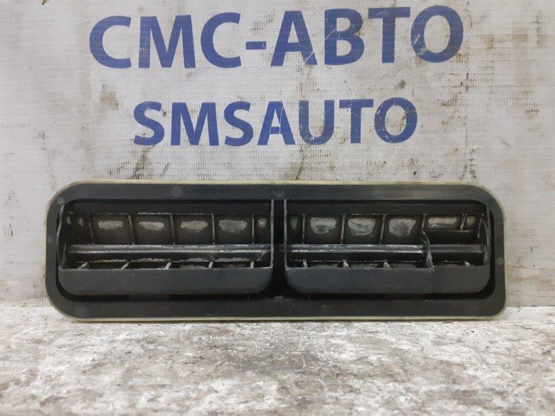 Решетка вентиляционная Mercedes E-Klasse W212 задняя