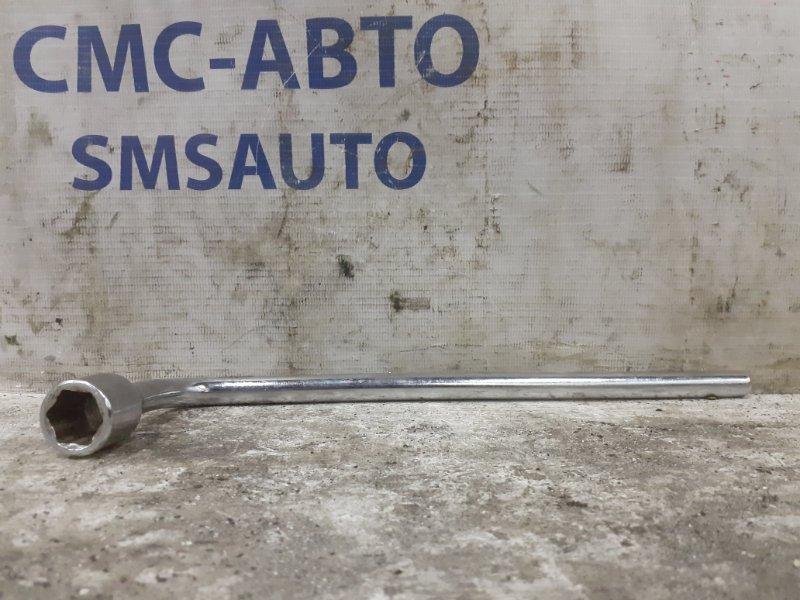 Ключ баллоный Mercedes E-Klasse W212