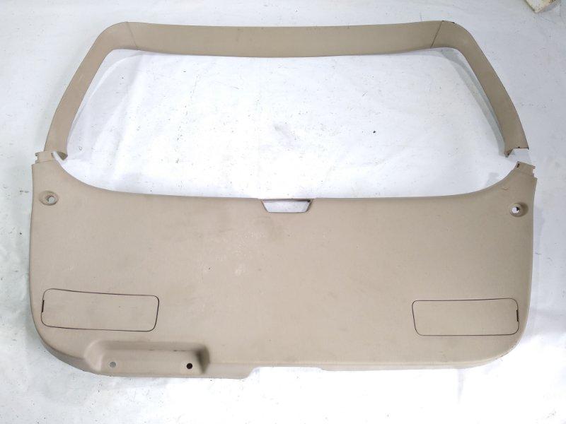 Обшивка двери багажника Toyota Gaia SXM10 3CTE 2000 задняя