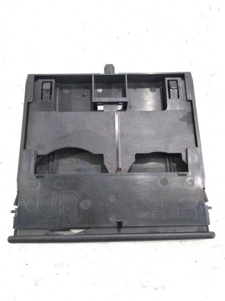 Подстаканник Mazda Mpv LVLR WLT 1997