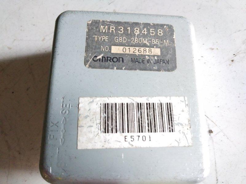 Блок управления антенной Mitsubishi Pajero V21 4M40 1996.10.2