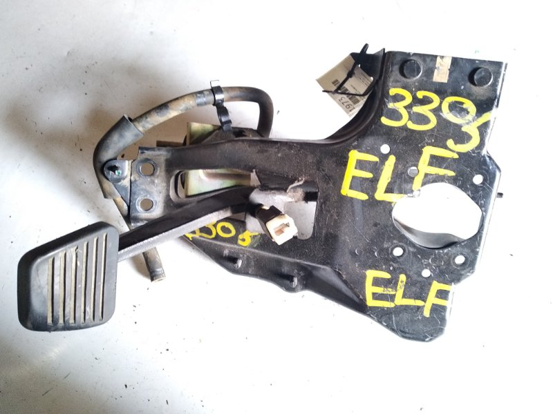 Педаль тормоза Isuzu Elf NKR58 4JG2