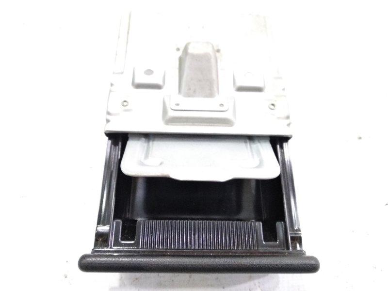 Пепельница Mitsubishi Pajero Io H66W 4G93