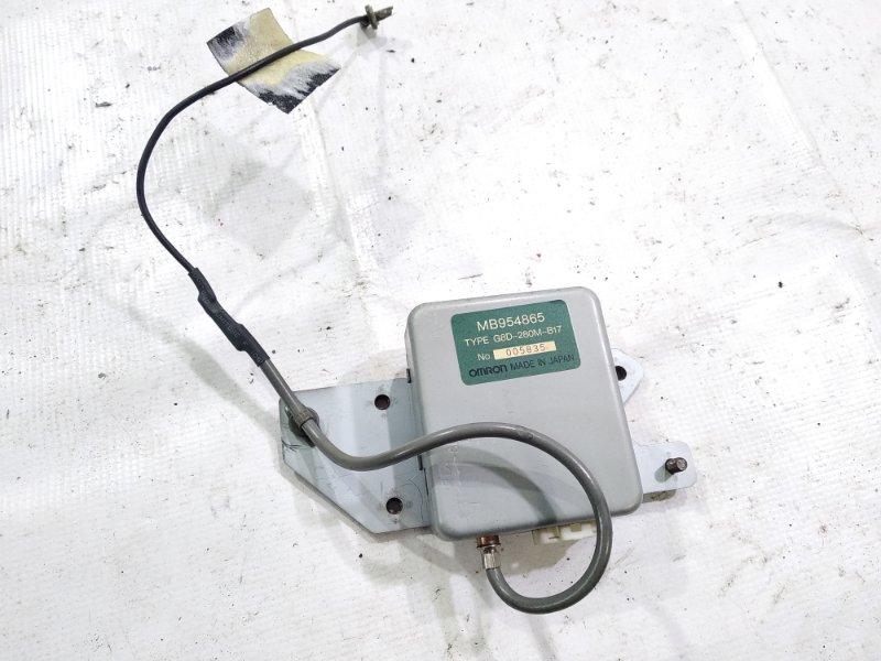 Блок управления замками Mitsubishi Delica PA4W 4M40T 1994