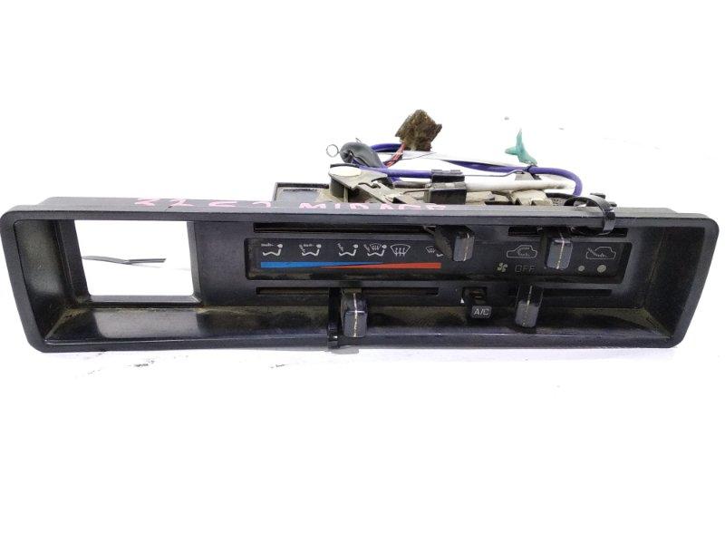 Блок управления климат-контролем Mitsubishi Lancer C11V G13B 1988