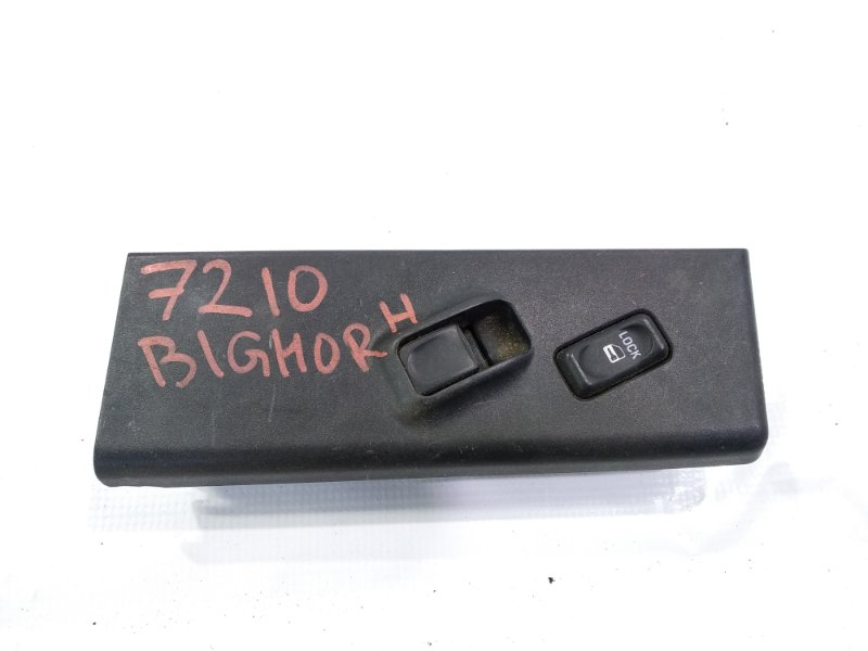 Кнопка стеклоподъемника Isuzu Bighorn UBS69 4JG2 передняя левая