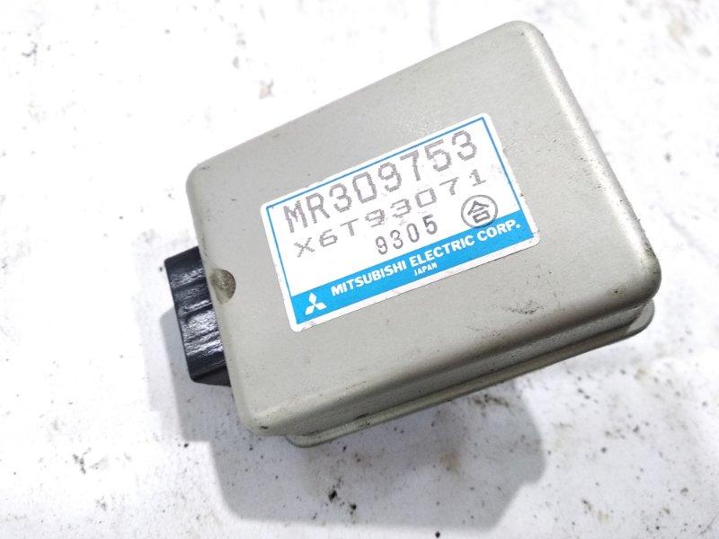 Блок управления зеркалами Mitsubishi Pajero V21W 6G74 1999