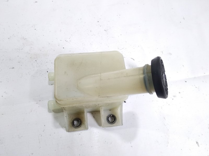 Бачок для тормозной жидкости Toyota Hiace KZH106G 1KZTE 1996