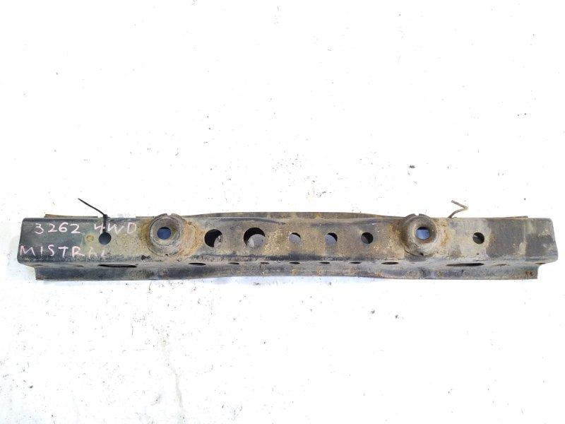 Балка под кпп Nissan Mistral R20 TD27T 02.1995 передняя