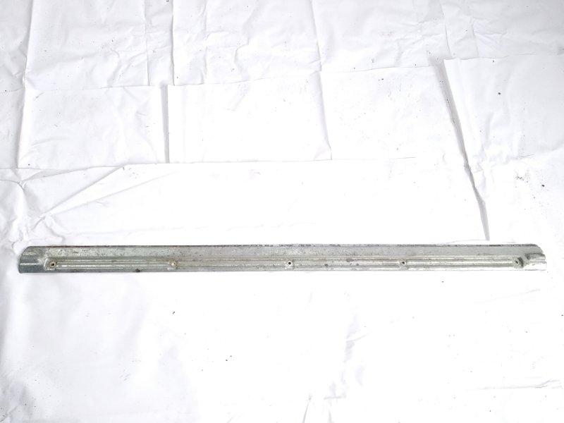 Пластик замка багажника Nissan Safari FGY60 TD42 1995 задний