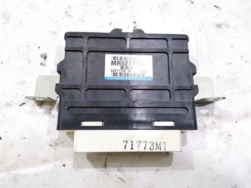 Блок управления 4wd Mitsubishi Pajero V63W 6G74 2002 правый