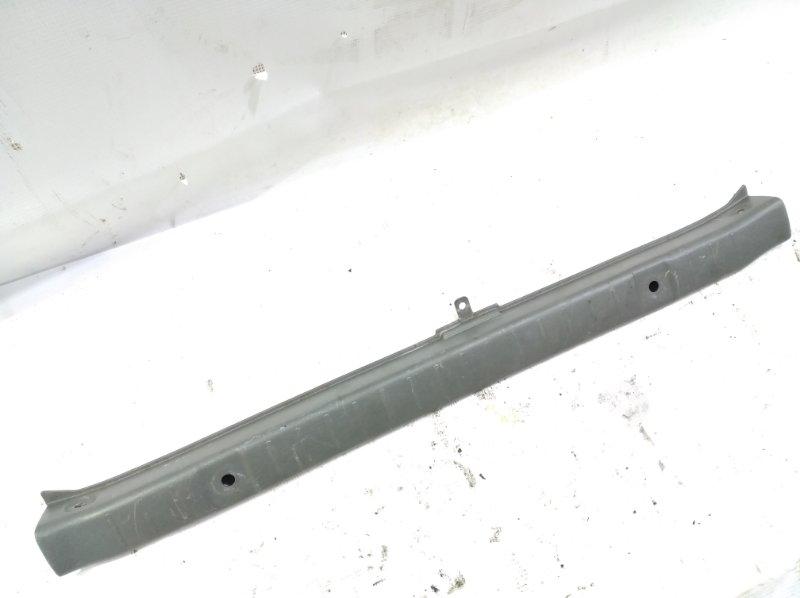 Пластик замка багажника Suzuki Jimny JB33W G13B 1997 задний