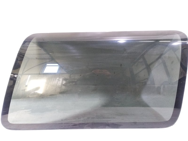 Стекло собачника Mazda Proceed Marvie UVL6R WLT 1996 заднее правое