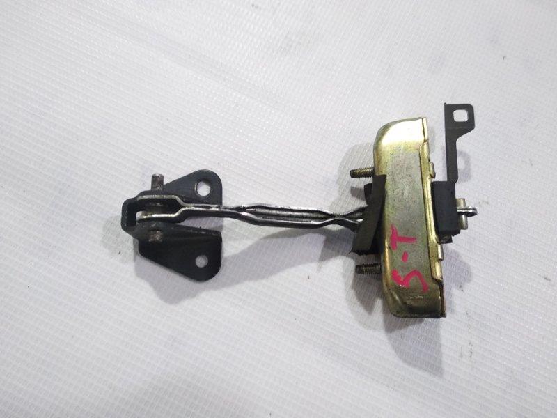 Ограничитель двери Toyota Rav4 SXA10G 3SFE 1994 задний